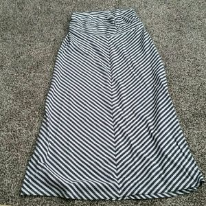 Maternity maxi skirt size small Old Navy
